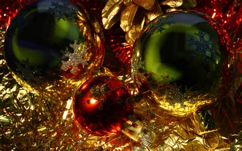 The Shining Christmas Tree Decorations Desktop Wallpapers