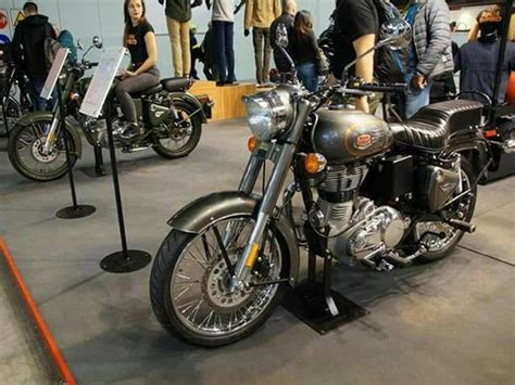 Royal Enfield Bullet 500 Efi Image by 2017 Royal Enfield Classic 500 Bullet 500 Gets Abs