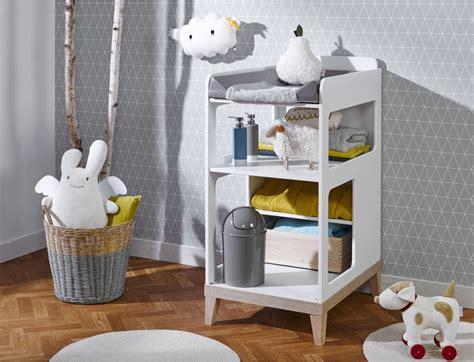 liste chambre bébé les 6 indispensables déco pour la chambre du bébé les louves