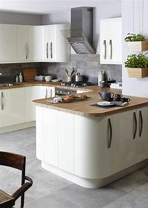 cream and wood kitchen 2309