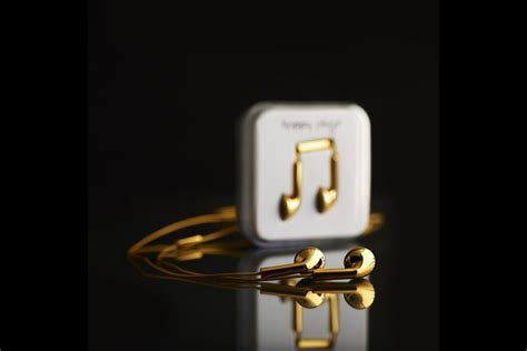 Happy Plugs 18 carat Solid Gold Earphones   MIKESHOUTS