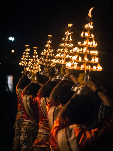 fileganga aarti  lamp vase  dasaswamedh ghat