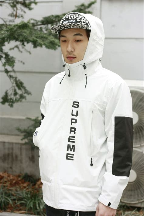 supreme brand clothing your guide for fashion daily s fashion mode