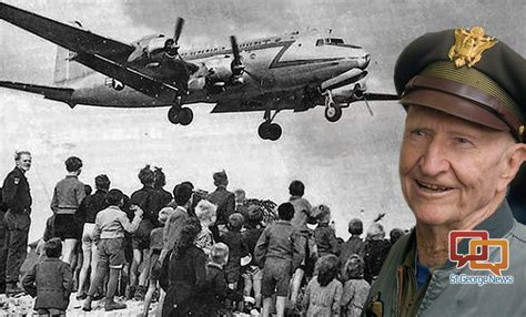 Candy Bomber Utah Veteran Delighted Children As The Candy Bomber