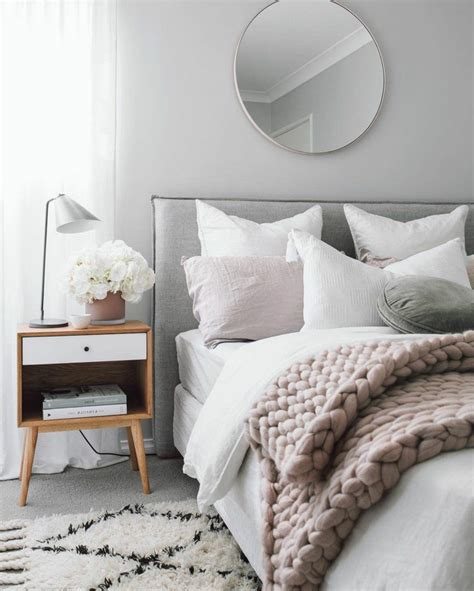 versions stylees de chambre blanche  grise
