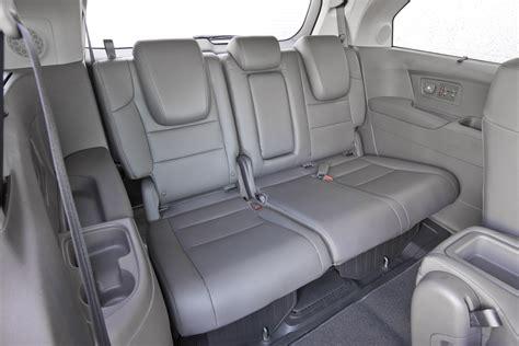 guide    good gas mileage   row seats