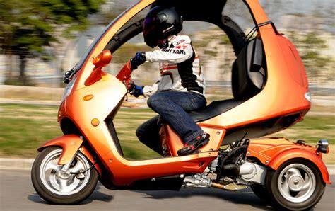 Automoto Three-wheeler Promises Efficient 'all-weather