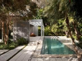 Modern Pool Back Yard Landscaping Ideas