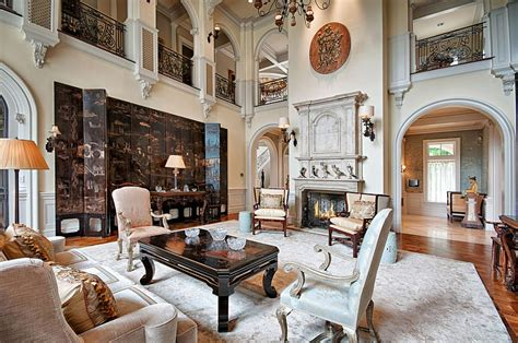 Right now, a lot of victorian design features are actually very trendy. Feast for the Senses: 25 Vivacious Victorian Living Rooms