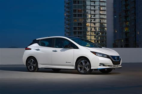 nissan leaf 2020 2020 nissan leaf plus crosses the 200 mile threshold