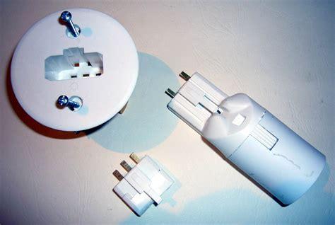 Dispositif De Connexion Luminaire