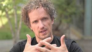 Yves Behar on the VUE watch for Issey Miyake - YouTube