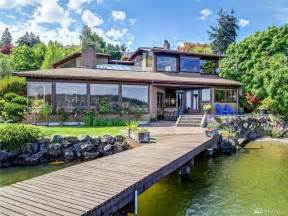 Homes Lake Forest by 3 2 Million Lake Forest Park Home Offers Stunning Lake