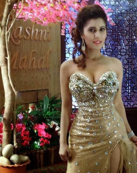 Celebrity Photo Gallery Naila Nayem Sexy Ramp Model In