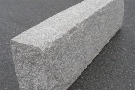 cordoli in pietra per giardini posa in opera di cordoli in pietra europietre cuneo