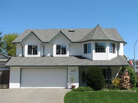 attractive garage design  modern house exterior