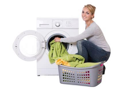 stockflecken und schimmel aus kleidung entfernen putzende