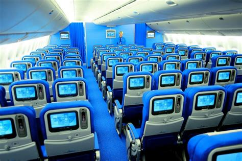 nieuw interieur klm 777 qas holidays reizen vliegtarieven australie nieuw