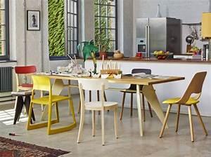 coup de coeur pour les chaises depareillees elle decoration With deco cuisine avec chaise de cuisine couleur