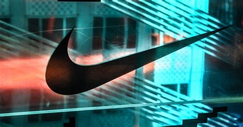 nike reports mn loss  sales plunge  covid  hit