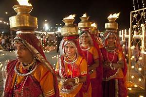 8 Most Popular Indian Festivals (with Dates for 2018)