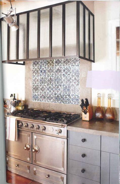 plaque verre cuisine quelle credence pour plaque gaz maison design bahbe com