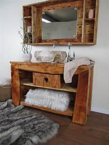 Badmöbel Vintage Look : ein badm bel rustikal im gem tlichen chalet stil wasserheimat ~ Bigdaddyawards.com Haus und Dekorationen