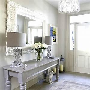le miroir baroque est un joli accent deco With porte d entrée pvc avec grand miroir mural salle de bain