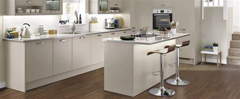 range in island kitchen kitchen breakfast bar ideas advice inspiration