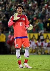 Guillermo Ochoa Photos Photos - Mexico v Jamaica: Group C ...