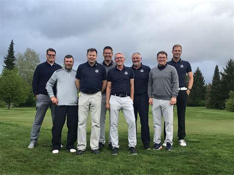ak herren  starten mit platz   die saison golfclub
