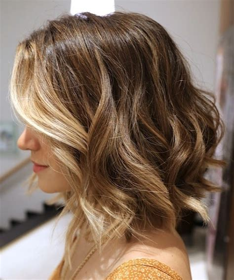 stylish wavy bob hairstyles  medium short hair