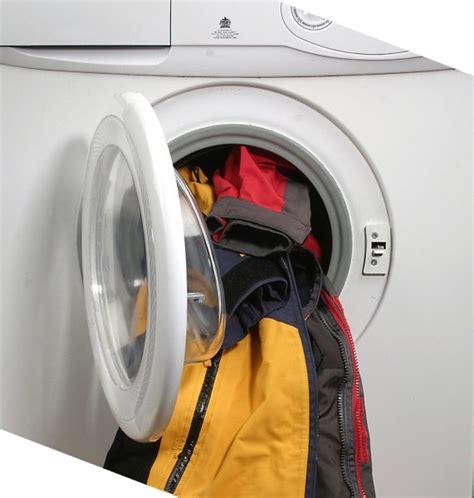 wäsche riecht nach waschen muffig waschmaschine riecht muffig waschmaschine stinkt ultimative l sung waschmaschine 19 tipps