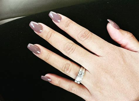 Color 27, Medium Length Coffin Shaped Nails