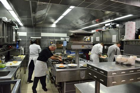 cuisine bistro restaurant cap marine description