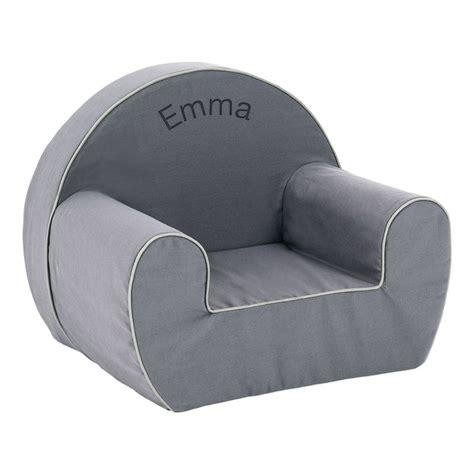bureau gris taupe un fauteuil pour enfant personnalisé prénom amikado