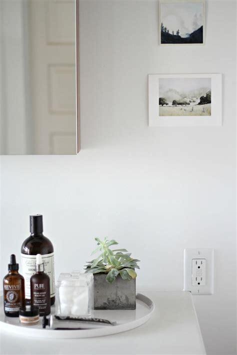 bathroom vignettes