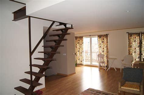 decoration d escalier interieur choisir l emplacement de escalier int 233 rieur pour les petits appartements decoration