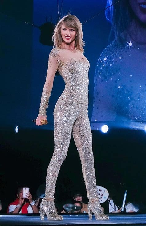 taylor swift 1989 tour celebrity stage music concert week outfits costumes outfit alison pop legs woods costume she esquire sparkly