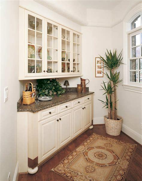 10 Corner Cabinets That Win at Storage