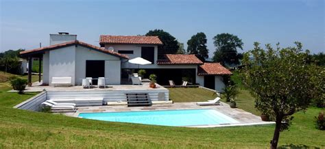 villa basque avec piscine locations villas de charme ou