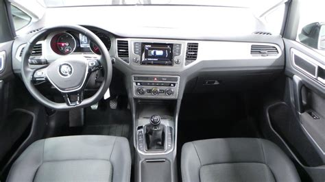 interieur golf 7 confortline volkswagen golf sportsvan 1 6 tdi 110 bluemotion technology fap confortline occasion 224 lyon