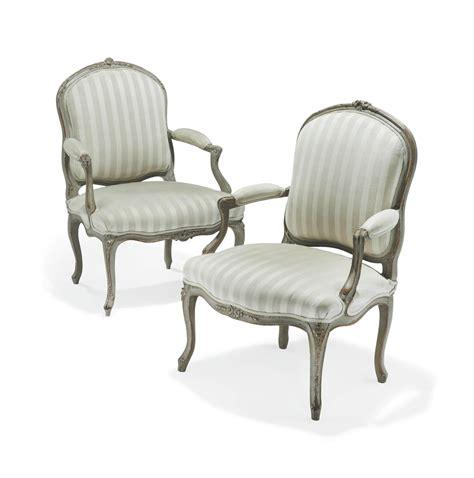 comment retapisser un fauteuil louis xv deux fauteuils a la reine d epoque louis xv un fauteuil estille de jean baptiste delaunay