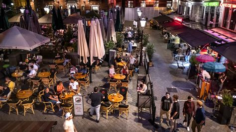 Cafés in westen van het land moeten om 01.00 uur dicht, om ...