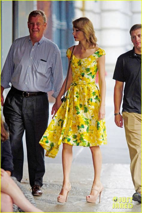 taylor swift brother austin treat dad  fathers day