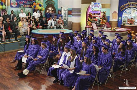 Zoey Deutch Suite On Deck Episodes by The Suite On Deck Stills 3x22 Graduation On Deck