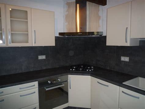 hotte de cuisine en angle pose d 39 une cuisine contemporaine à rocbaron 83 modèle