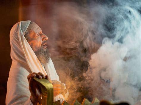 freebibleimages zechariah  promised  son  god