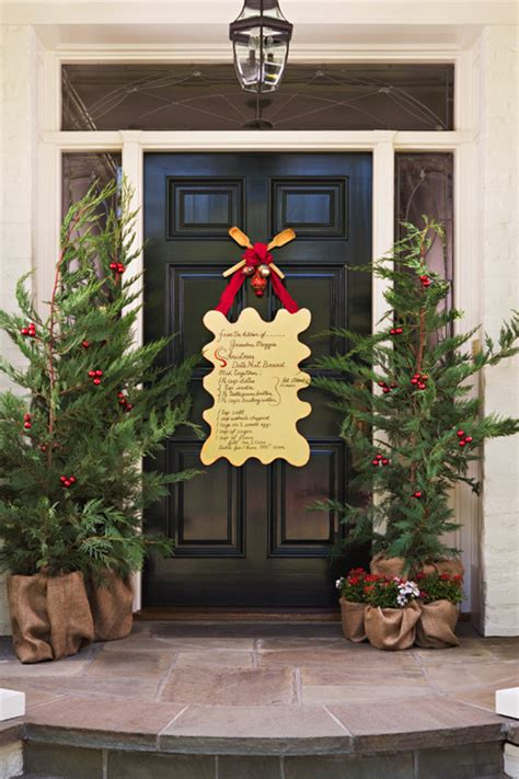 10 unique christmas front door decorations ideas