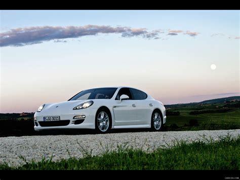 Porsche Panamera Diesel 2018 Front Wallpaper 9